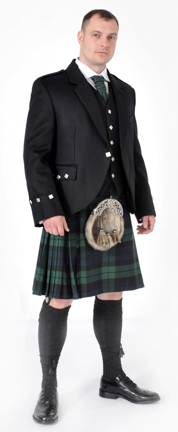 Scottish 8 Yard Black Watch Kilt outfits