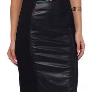 Previous Previous Spell of Allure Leather Pencil Skirt