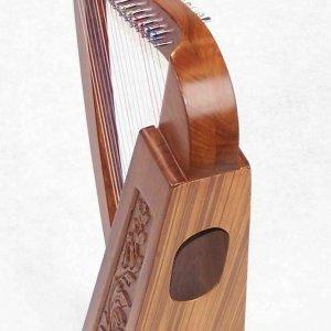 Tall Celtic Irish Knee Harp 17 Strings Solid Wood Free Bag Strings Key 27 Inch
